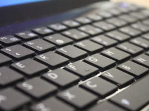 Zoom sur un clavier d'ordinateur portable (Laptop)
